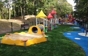 Bezpieczna nawierzchnia na plac zabaw